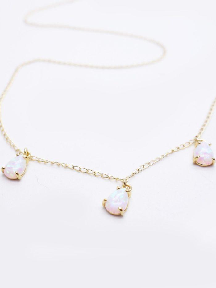 Collier opale blanche